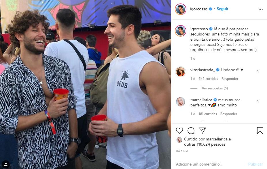 Igor Cosso, de Salve-se Quem Puder, com o namorado bonitão (Foto: Reprodução/ Instagram)