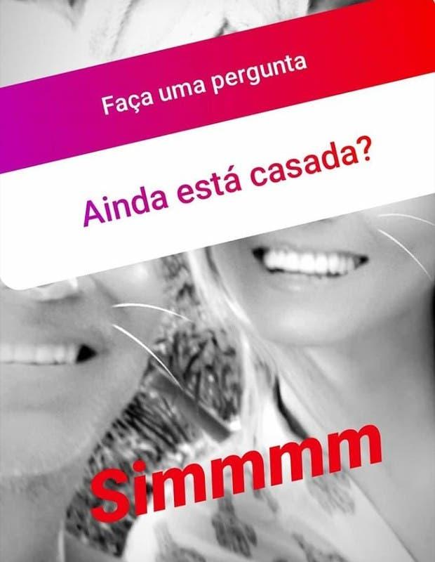 Lívia Andrade postou foto ao lado do marido misterioso (Reprodução) sbt silvio santos