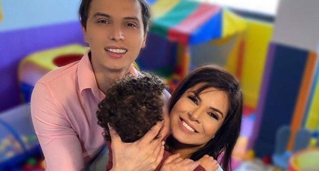 Mara Maravilha posta foto ao lado do filho (Foto: Reprodução)