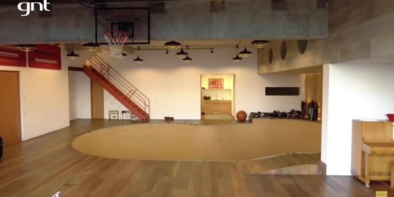 A casa também conta com uma pista de skate (Foto: reprodução/GNT)