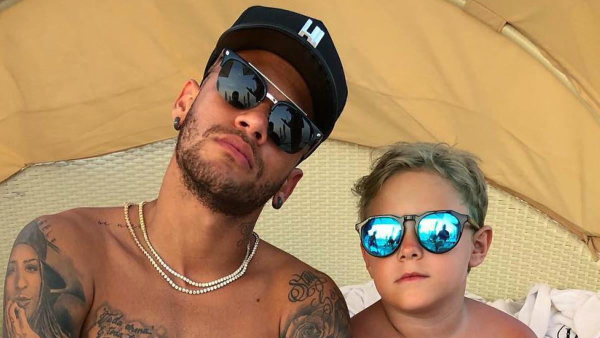 Neymar é repreendido pelo filho (Foto: Reprodução)