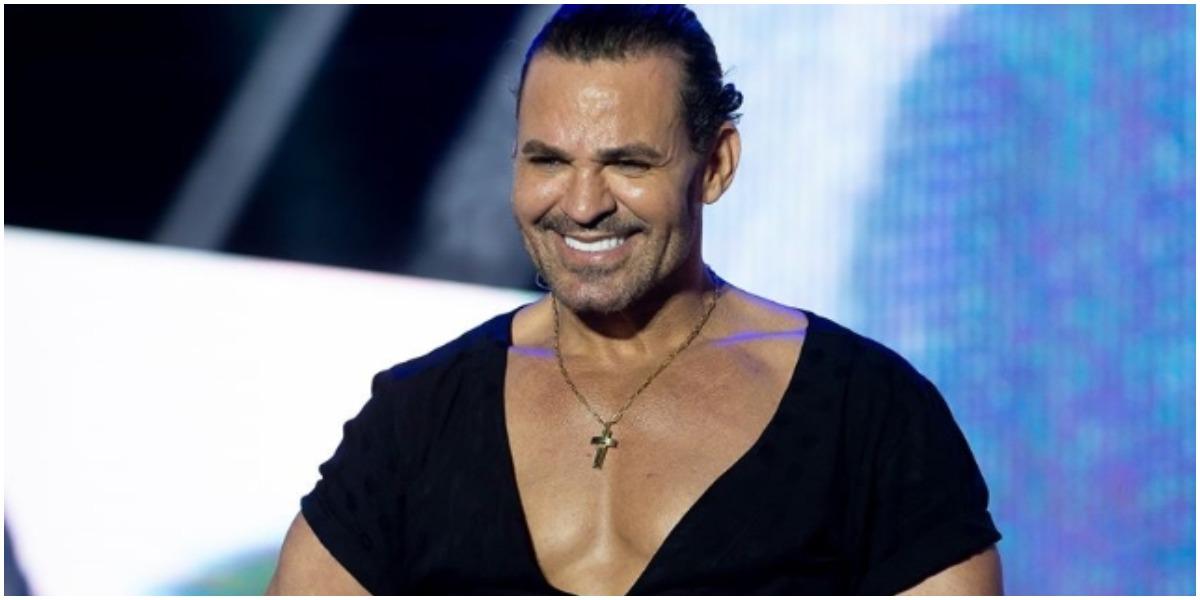 Eduardo Costa teve um secreto revelado com uma apresentadora de TV (Foto: Reprodução)