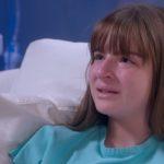 Em cenas de As Aventuras de Poliana, mocinha chora após decepção com o pai