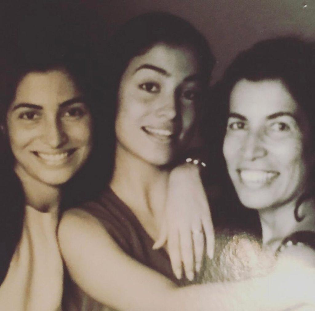 renata vasconcellos com mãe e irmã