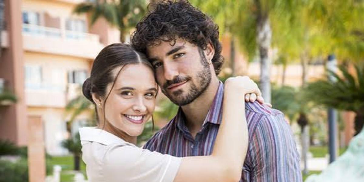 Juliana Paiva e José Condessa viviam par romântico na Globo na trama Salve-se Quem Puder (Imagem- Globo)