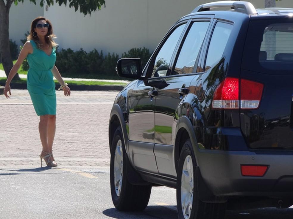 Tereza Cristina é quase atropelada por Griselda - Foto: Reprodução