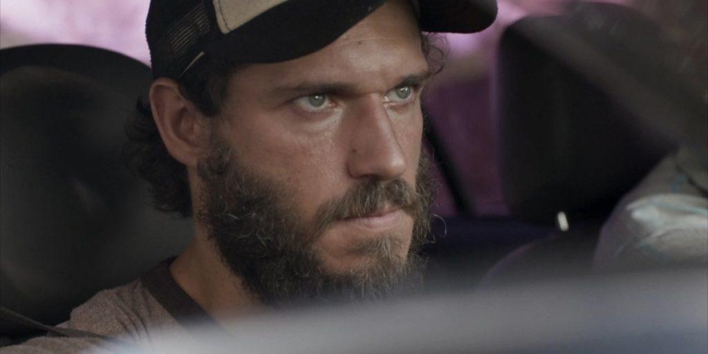 Dino (Paulo Rocha) irá atrás da enteada após descobrir paradeiro em Totalmente Demais (Foto: Reprodução/Globo)