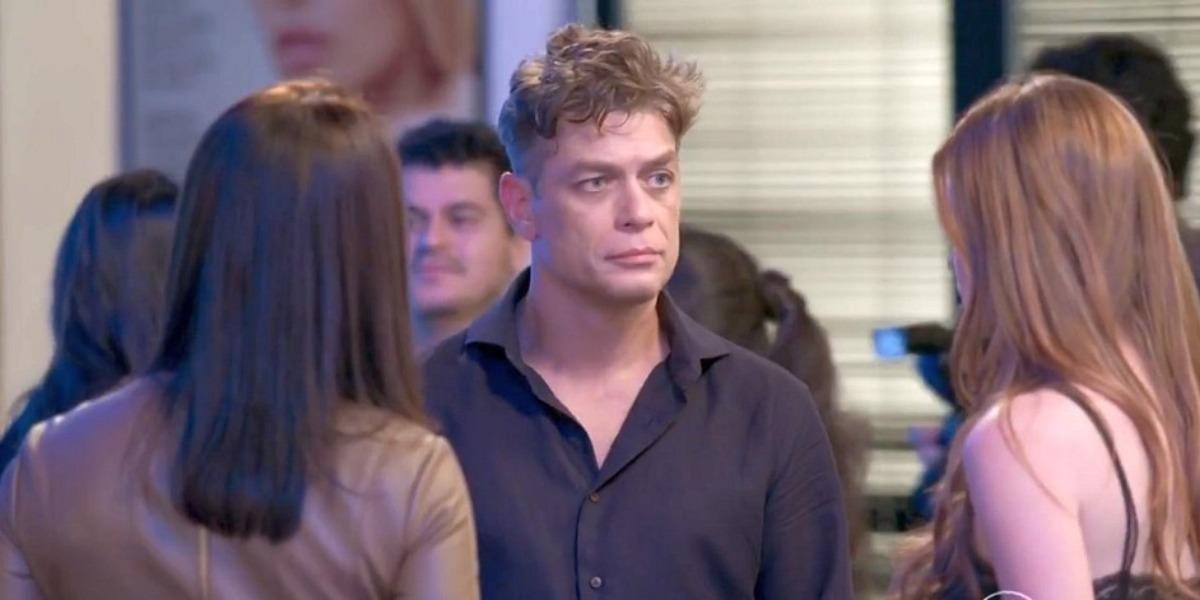 Totalmente Demais, entre Eliza e Carolina, Arthur vai escolher a ruiva (Imagem: Globo)