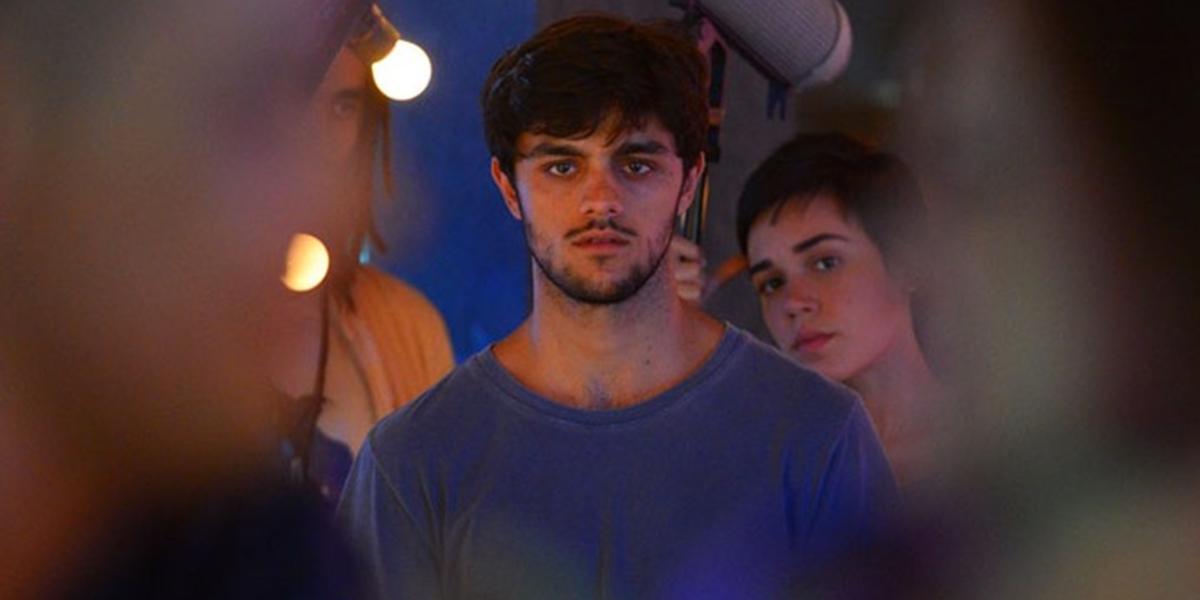 Jonatas (Felipe Simas) ficará arrasado ao ver a cena na novela das sete (Foto: Divulgação/Globo)