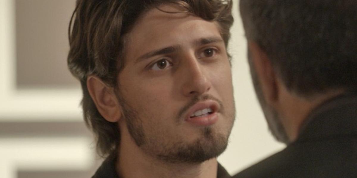 Rafael (Daniel Rocha) assume que está apaixonado por Lili (Vivianne Pasmanter) em Totalmente Demais (Foto: Divulgação/Globo)
