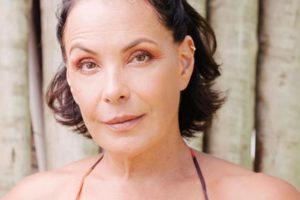 Carolina Ferraz é a nova apresentadora do Domingo Espetacular (Foto: Reprodução)