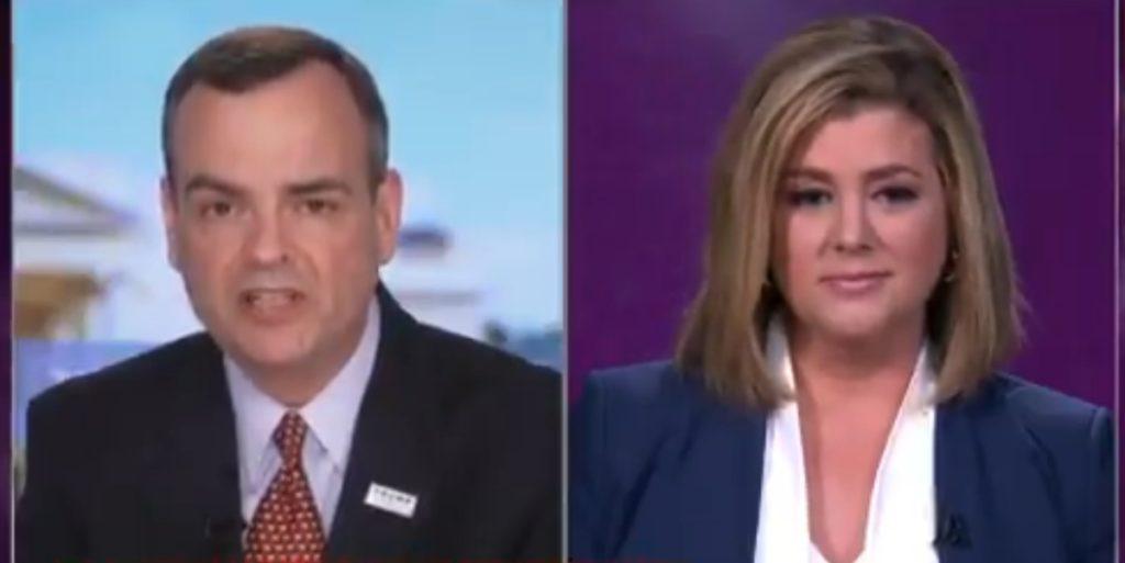 Brianna Keilar rebateu assessor de Donald Trump em telejornal da CNN. (Foto: Reprodução)
