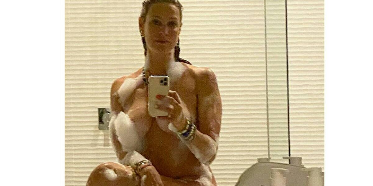 Luana Piovani compartilha click ousado e mostra boa forma (Foto: Reprodução/Instagram)