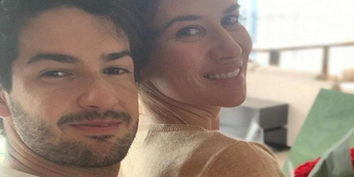 Alexandre Pato compartilhou foto em momento íntimo com Rebeca Abravanel (Foto: Reprodução)