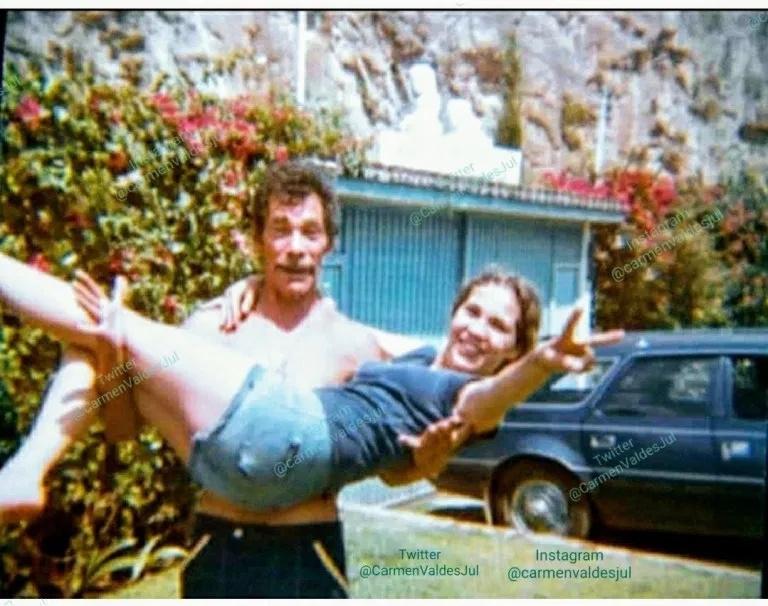 Foto de Ramón Valdés com a filha Carmen Valdés (Foto: Reprodução)