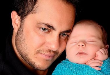 Thammy Miranda junto com o filho Bento (Foto: Reprodução)