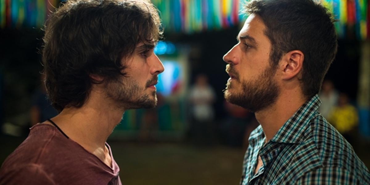 Ruy (Fiuk) e Zeca (Marco Pigossi) em A Força do Querer (Foto: Globo/Estevam Avellar)