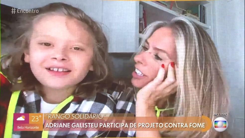 Adriane Galisteu revelou participação em obra social durante bate-papo - Foto: Reprodução/Globo