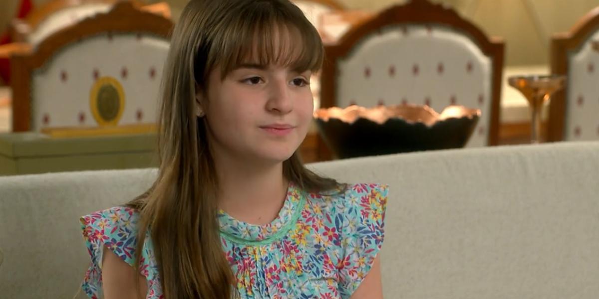 Sophia Valverde (Poliana) em cena do último capítulo de As Aventuras de Poliana; novela teve menor audiência final em sete anos anos (Foto: Reprodução/SBT)