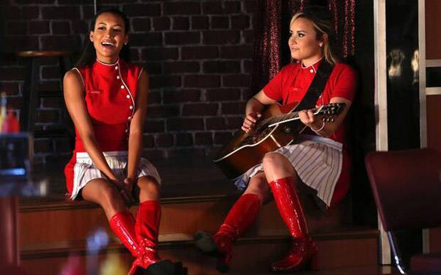 Demi Lovato se despede de Naya Rivera, sua parceira em Glee (Foto: Reprodução)