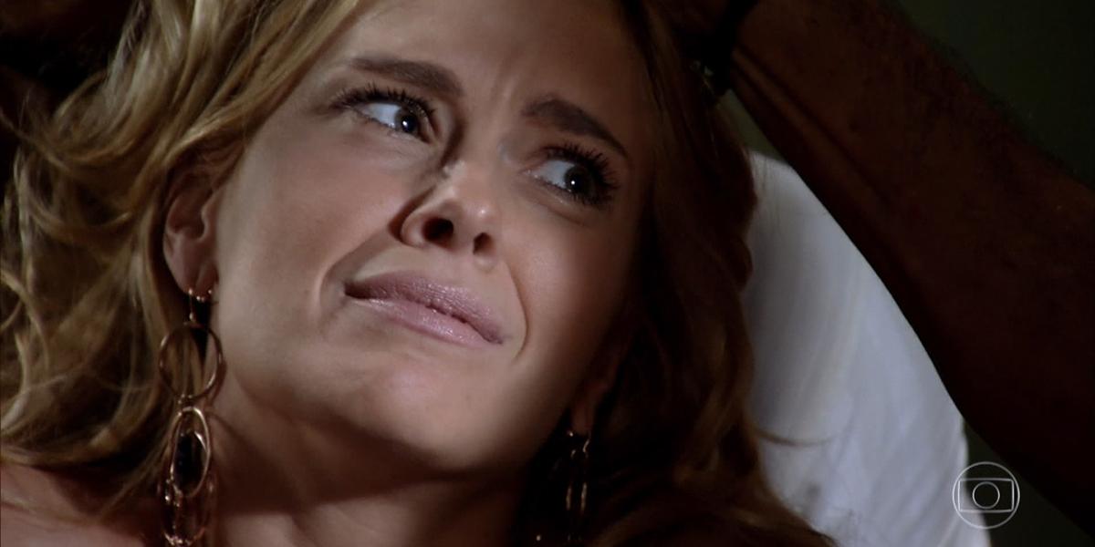 Teodora (Carolina Dieckmann) sofrerá vingança em Fina Estampa (Foto: Reprodução/Globo)