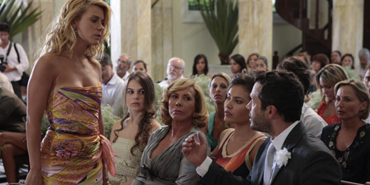 Teodora (Carolina Dieckmann) revela para Quinzé (Malvino Salvador) que está grávida dele em Fina Estampa (Foto: Reprodução/Globo)