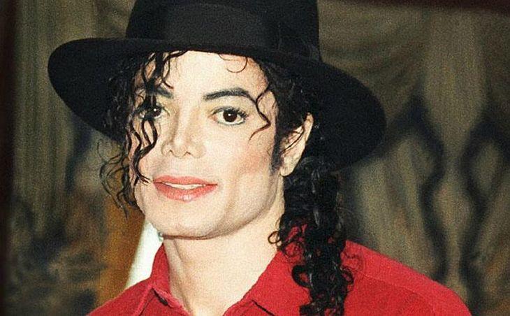 Michael Jackson volta do mundo dos mortos (Foto: Reprodução)