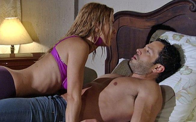 Quinzé e Teodora terão nova noite quente de amor - Foto: Reprodução