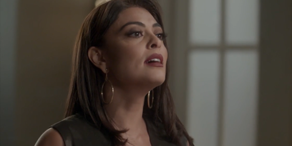 Carolina (Juliana Paes) vai expor segredo do passado de Eliza (Marina Ruy Barbosa) em Totalmente Demais (Foto: Reprodução/Globo)