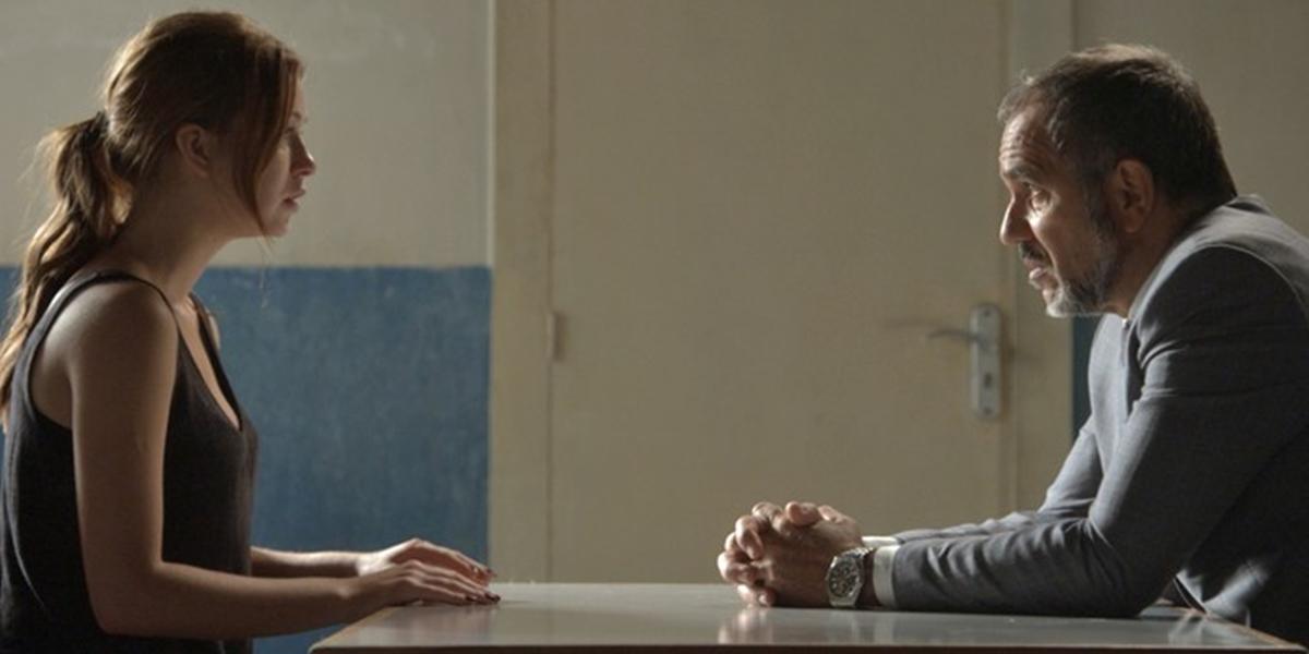 Eliza (Marina Ruy Barbosa) descobre que Germano (Humberto Martins) é seu pai em Totalmente Demais (Foto: Reprodução/Globo)