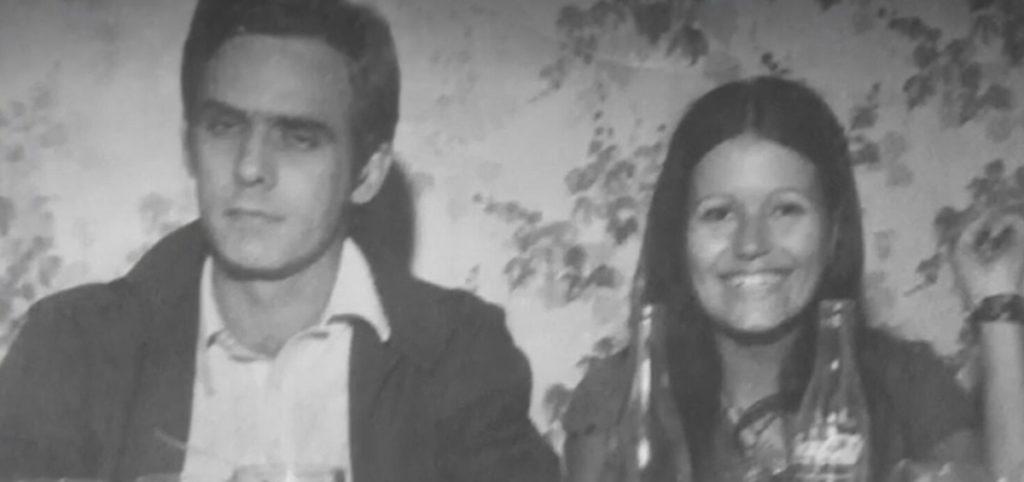 Foto da mãe de Anthony ao lado de Francisco Cuoco. (Foto: Reprodução/Arquivo pessoal)