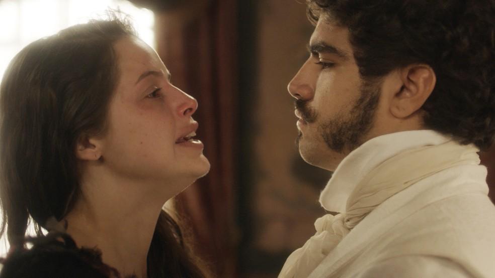 perfil de Domitila e Pedro na novela Novo Mundo