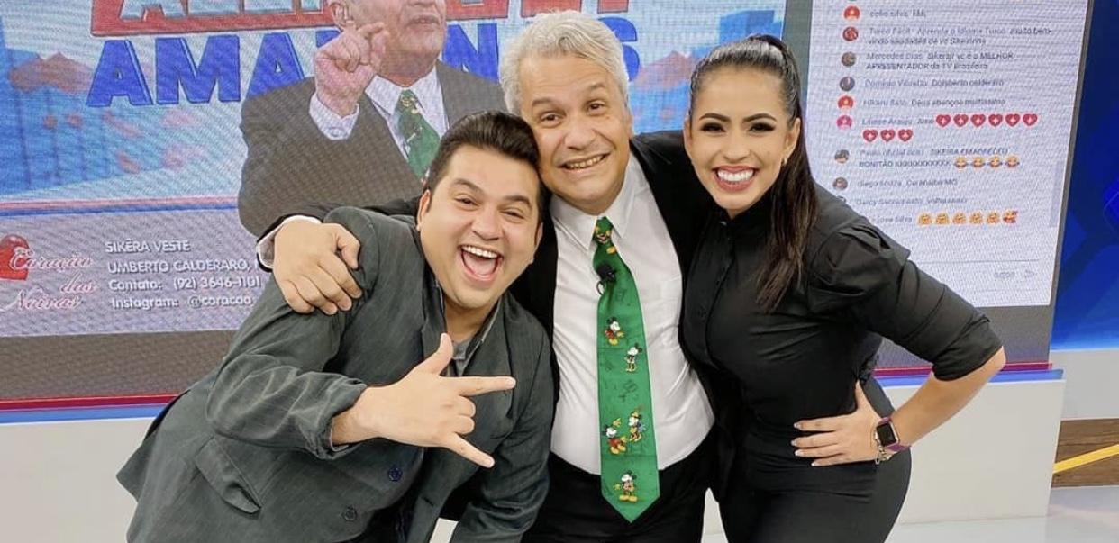 Sikêra Jr. posa ao lado de seus substitutos, Mayara Rocha e Brunoso (foto: Reprodução/Instagram)