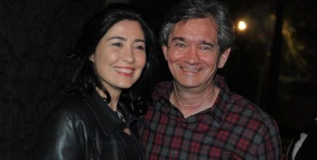Apresentador ao lado da esposa, Fernanda Molina