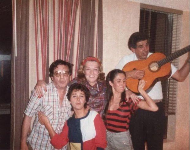Foto rara de Roberto Bolaños (Imagem: Reprodução)