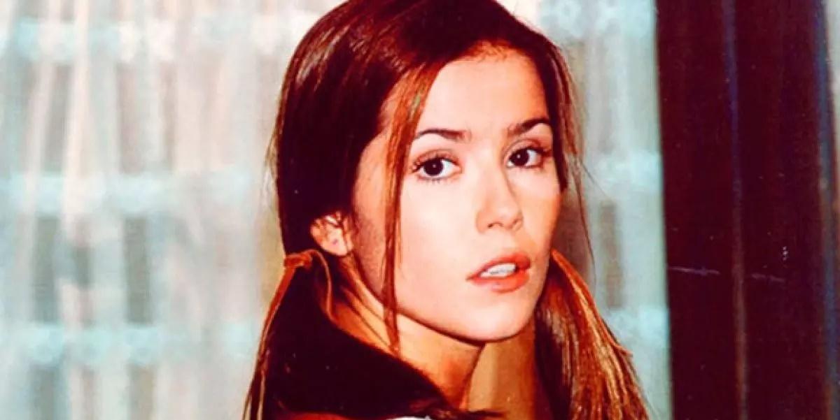 Deborah Secco na época em que interpretava a personagem Íris em Laços de Família (Foto: Reprodução)