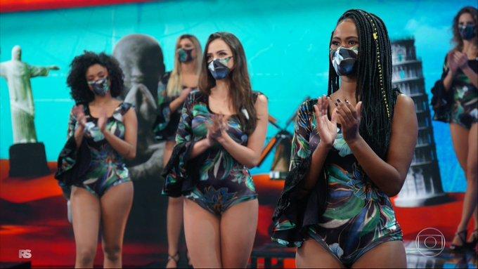 As bailarinas do Faustão apareceram de máscara - Foto: Reprodução