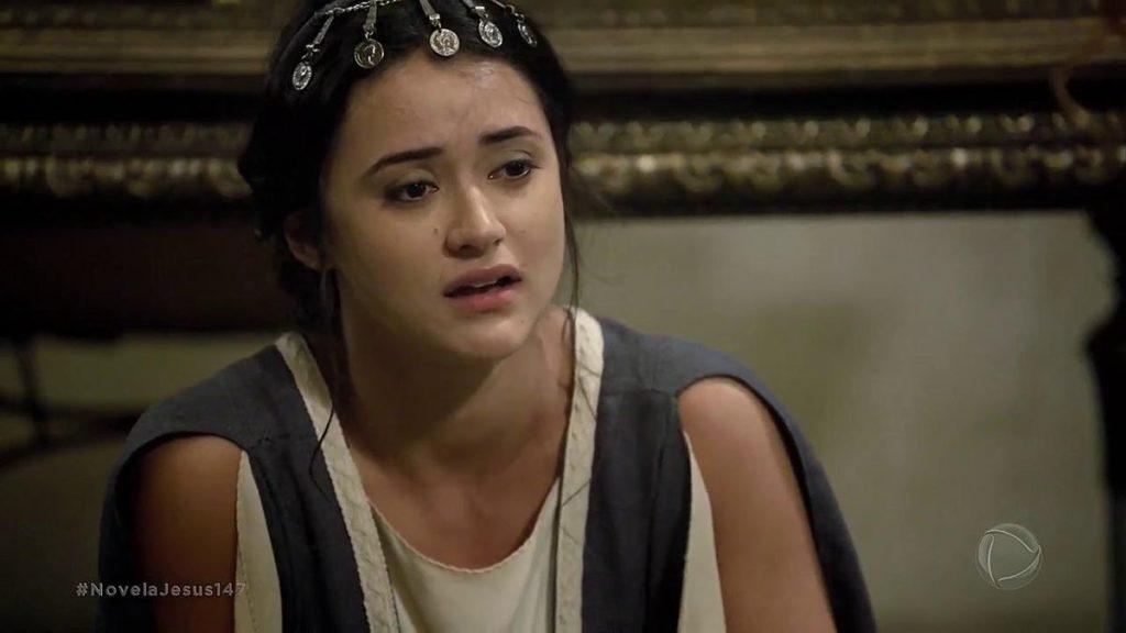 Temina sofre em cena da novela de Jesus