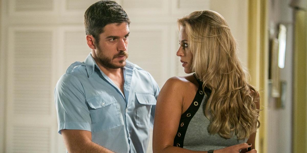 Zeca (Marco Pigossi) e Jeiza (Paolla Oliveira) em A Força do Querer; caminheiro se apaixonará pela policial (Foto: Globo/Raquel Cunha)