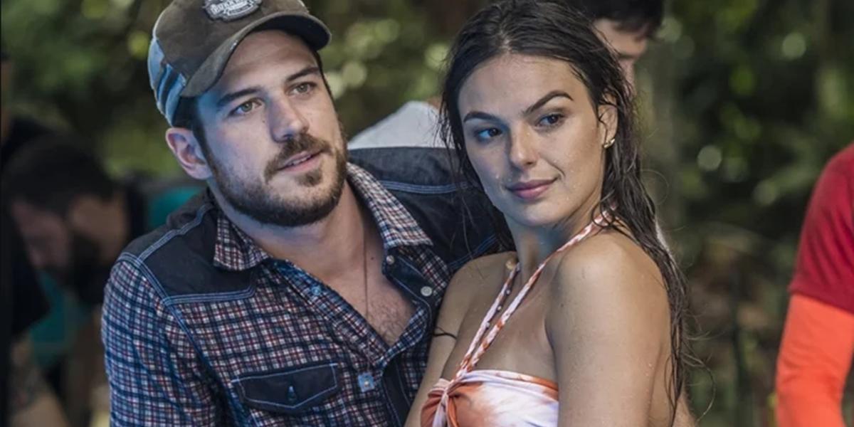 Marco Pigossi (Zeca) e Isis Valverde (Rita) em cena de A Força do Querer (Foto: Renan Castelo Branco/Globo)