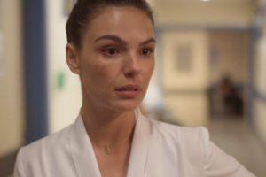 Betina (Isis Valverde) será um dos personagens com coronavírus na volta de Amor de Mãe (Foto: Reprodução/Globo)