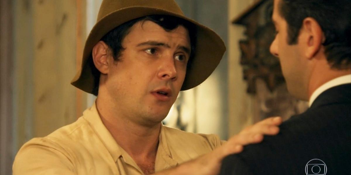 Sergio Guizé (Candinho) em cena de Eta Mundo Bom; reprise é um fenômeno de audiência (Foto: Reprodução/Globo)