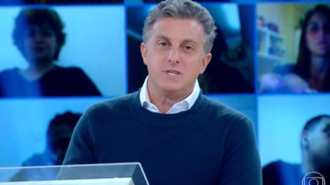 Luciano Huck no comando do Caldeirão, que foi desbancado pelo Globo Esporte na audiência (Foto: Reprodução/Globo)