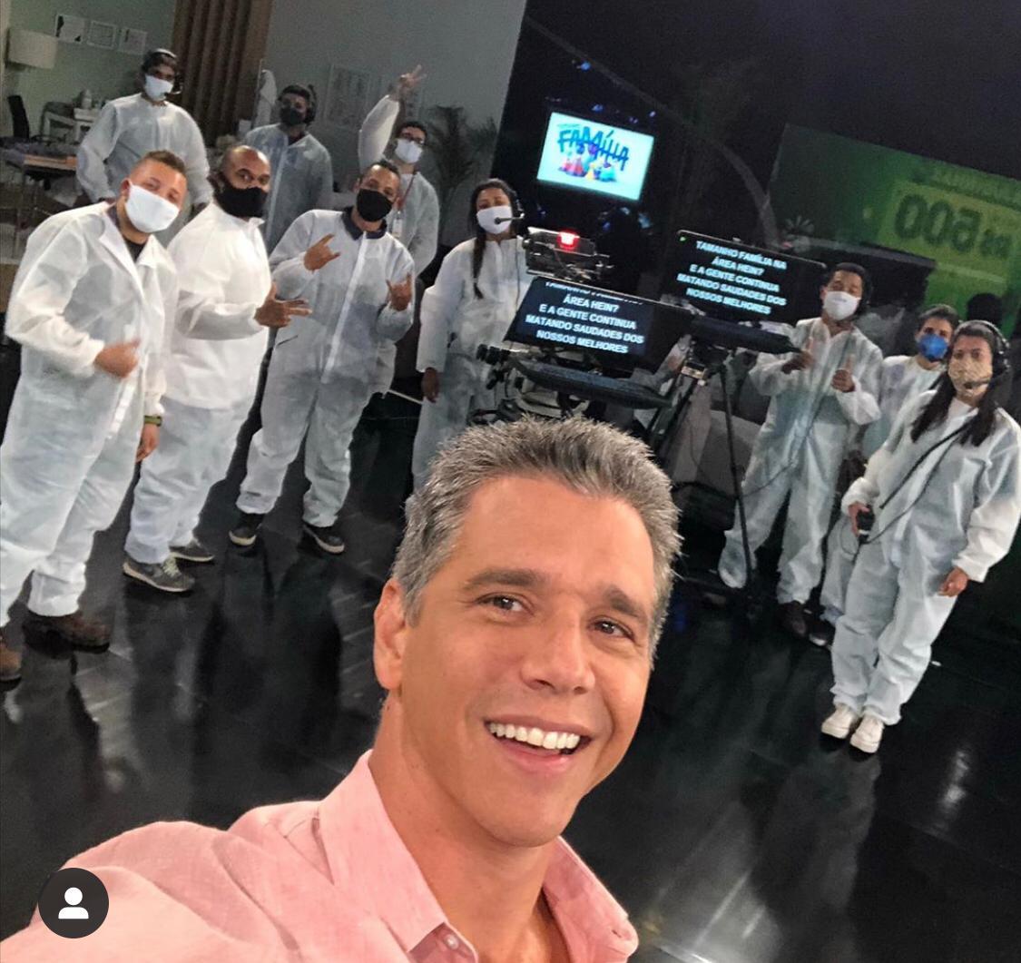 Marcio Garcia reencontra profissionais de Tamanho Família - (Divulgação/TV Globo)