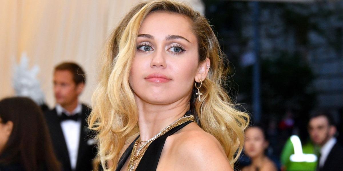 Miley Cyrus dá conselhos amorosos (Foto: Reprodução)