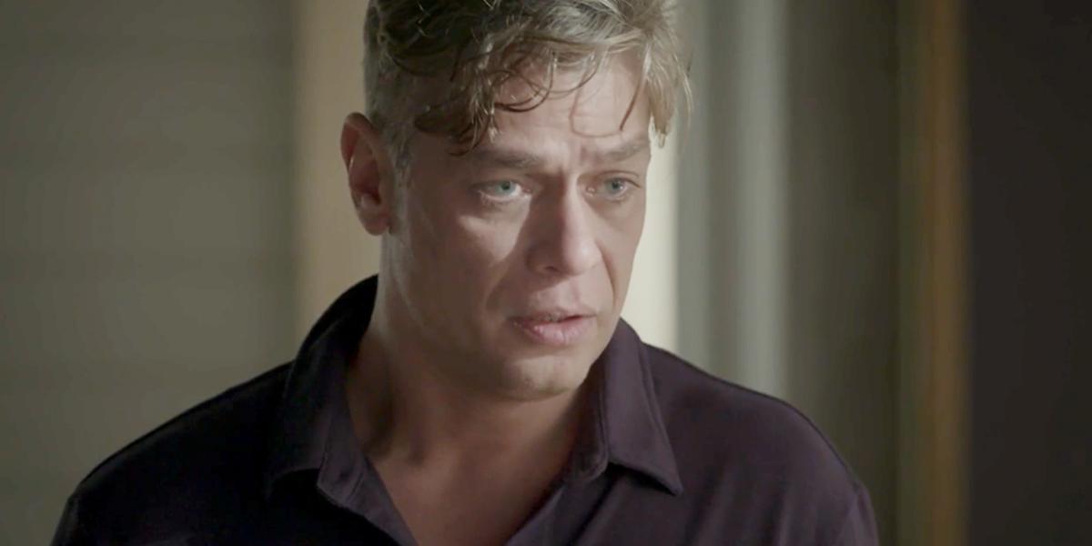 Arthur (Fábio Assunção) flagra suposta traição de Eliza (Marina Ruy Barbosa) em Totalmente Demais (Foto: Fabiano Battaglin/Globo)