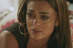 Carolina (Juliana Paes) perde tudo e fica na pior em Totalmente Demais (Foto: Reprodução/Globo)