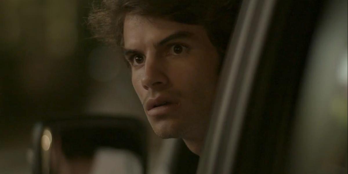 Fabinho (Daniel Blanco) vê Sofia (Priscila Steinman) viva em Totalmente Demais (Foto: Reprodução/Globo)
