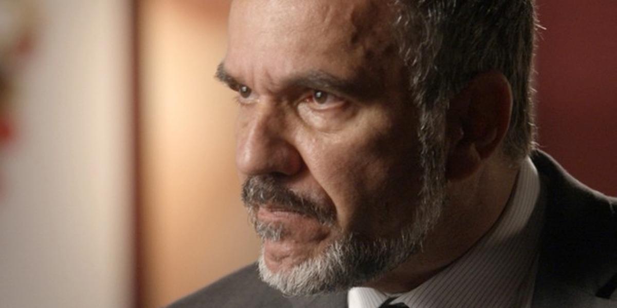 Germano (Humberto Martins) fica em choque com invasão do rival em Totalmente Demais (Foto: Reprodução/Globo)