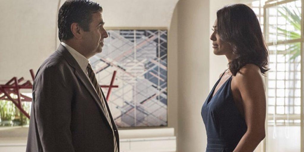 Hugo (Orã Figueiredo) decide comprar o apartamento de Carolina (Juliana Paes) (Foto: Estevam Avellar/Globo)